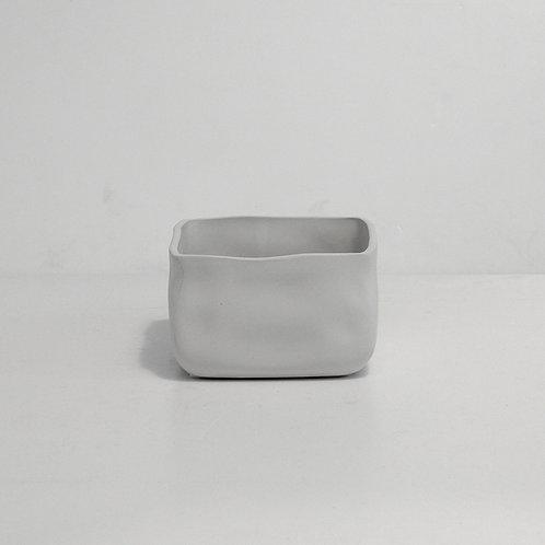 Cube oasis pot