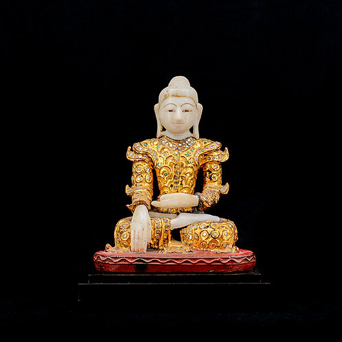 19th Century Mandalay Buddha with wooden robe in gold