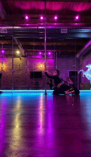DARK ROOM POLE DANCE- FLY CLUB STUDIO
