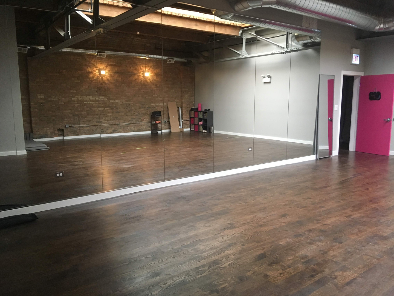LIGHT ROOM - FLY CLUB STUDIO