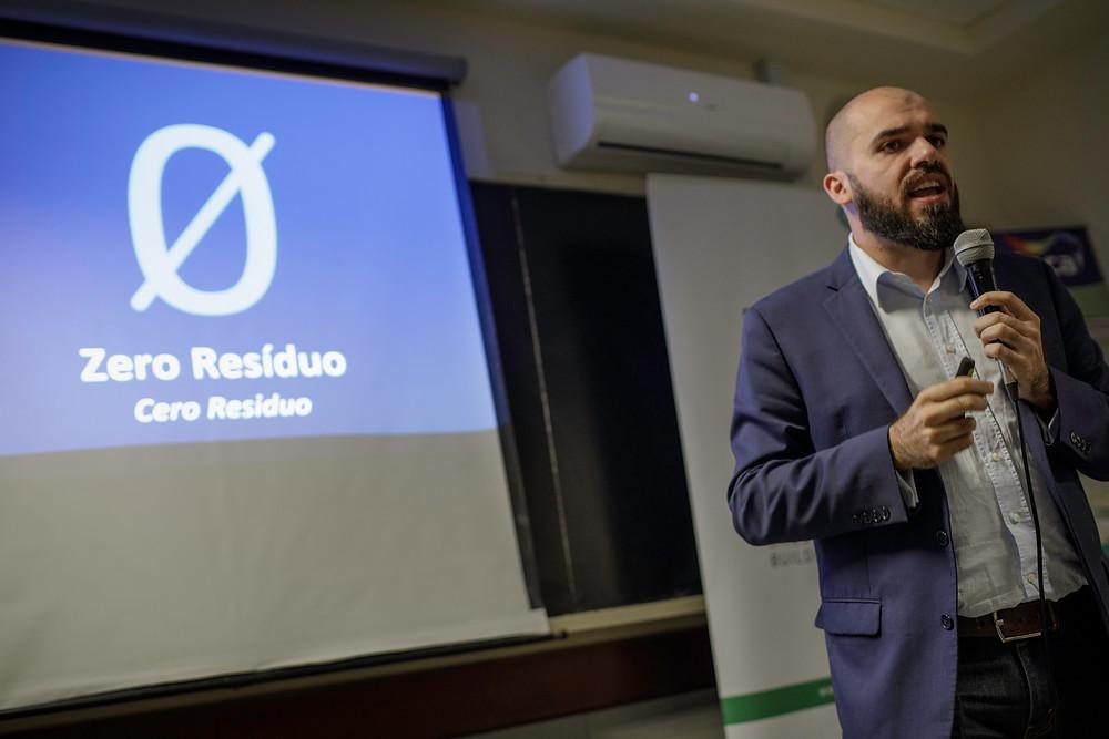 Ingeniero Guido Petinelli - Conferencia Certificación de Edificios Sustentables - UYGBC - Universidad de Montevideo - 2018