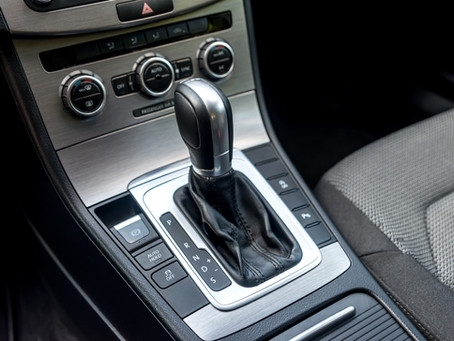 How does an automatic transmission know when to shift?