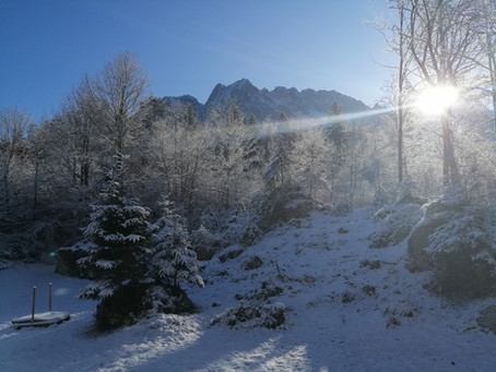 """winterliches Panorama und Sonne vom Balkon unserer Ferienwohnung """"Zwölferkante"""" geniessen!!!"""