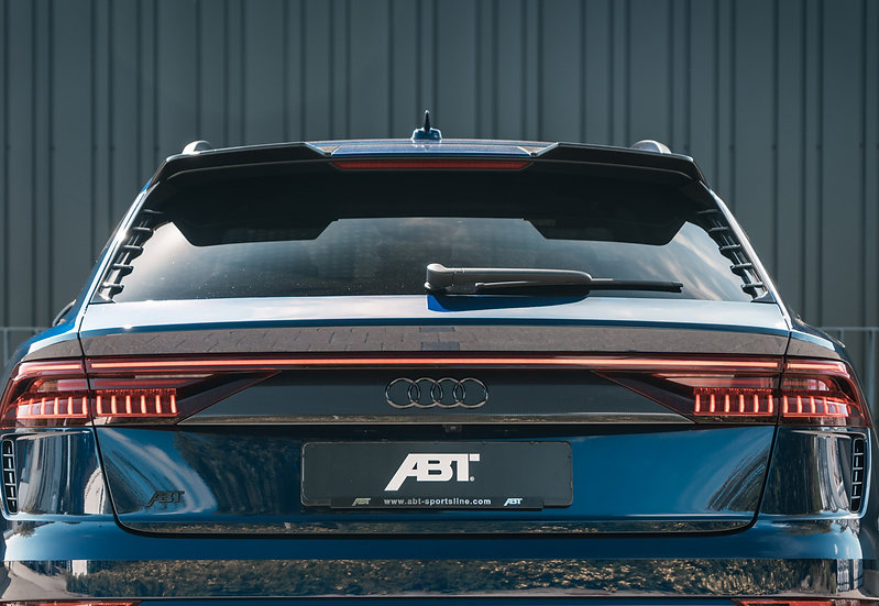 Audi RSQ8 - Roof Spoiler Carbon Fiber