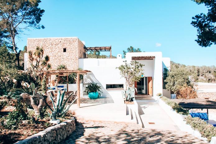 entrance-villa.jpg