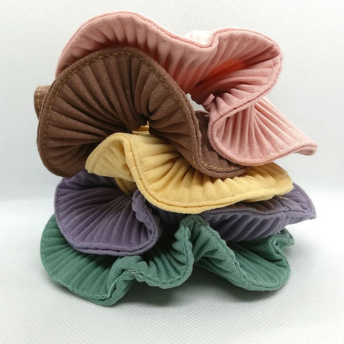 Pleated scrunchies