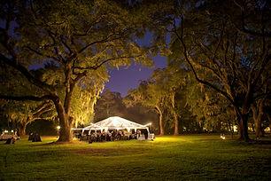 Namiot w światłach