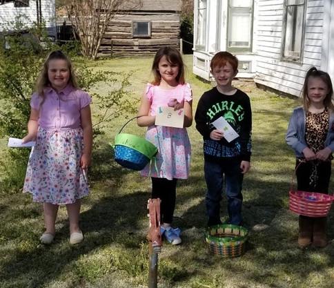Kids_waiting_in_line_to_get_prises.jpg