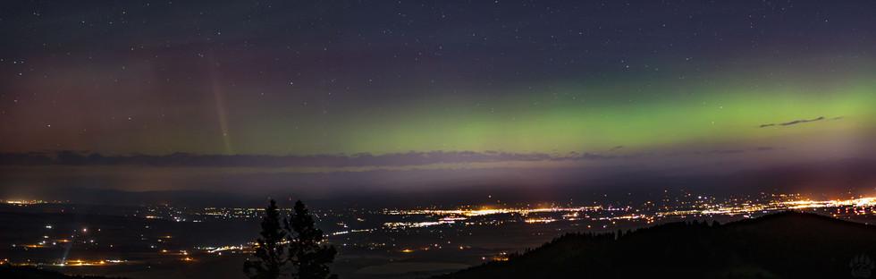 Northern Lights Panorama.jpg