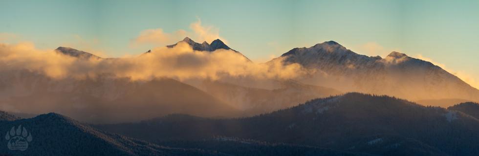 Spanish Peaks Panorama.jpg