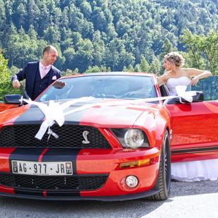 mariés en voiture