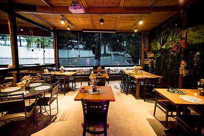 BarTô_Restaurante_Burguer_salao_maior_3