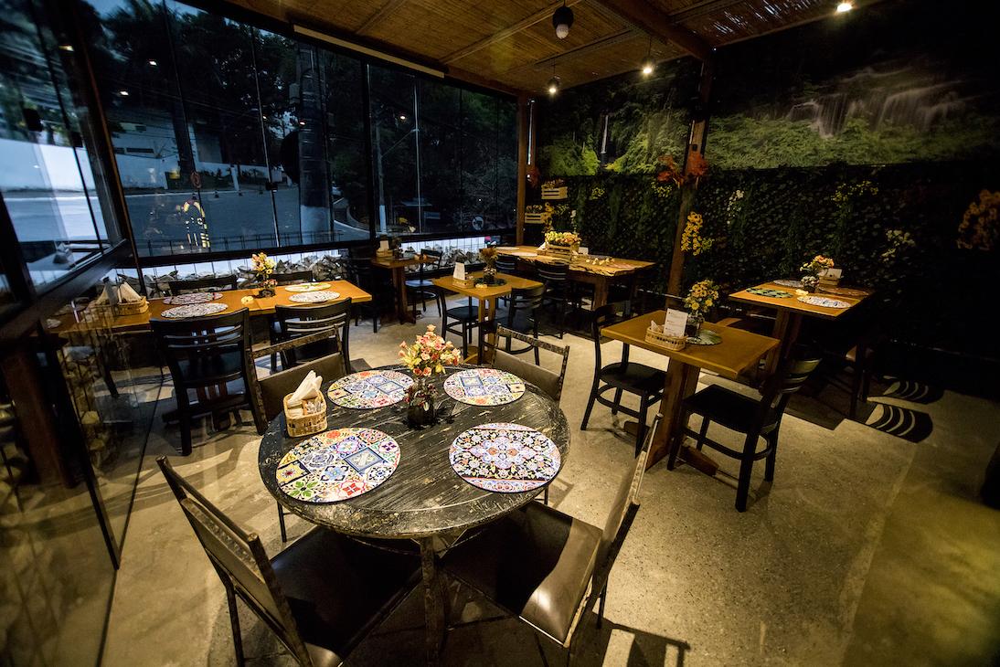 BarTô_Restaurante_Burguer_salao_maior