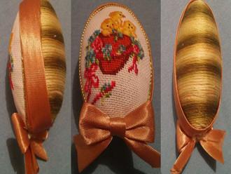 Вышивка крестиком на яйцах