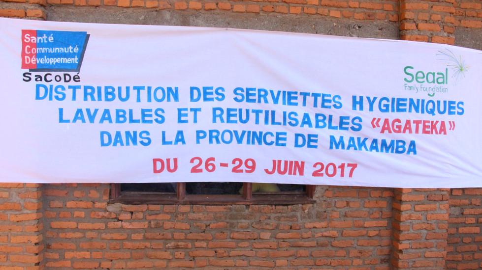 Visite de présentation et de distribution de la serviette Agateka à Makamba
