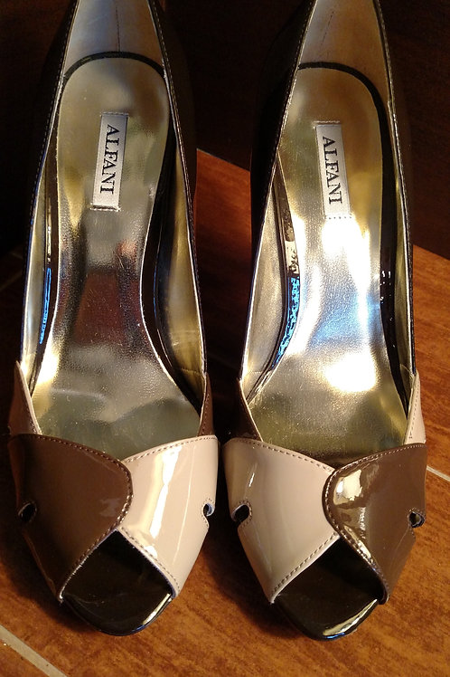 Nice Brown and Tan ALFANI Women's Heels Size 7.5