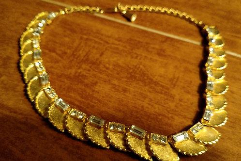 Nice Vintage Goldtone and Crystal Necklace