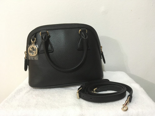 da1a9445c This is brand new authentic Gucci crossbody bag in black color. -Pebbled  leather