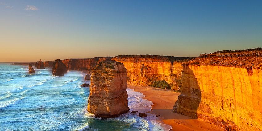 The Twelve Apostles, Great Ocean Road, Australia.jpg