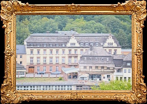 Eifeler Hof Bild mit Rahmen gold.jpg