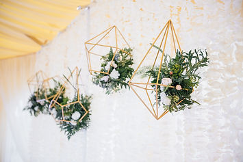 Wedding in a tent.jpg Decoration of the