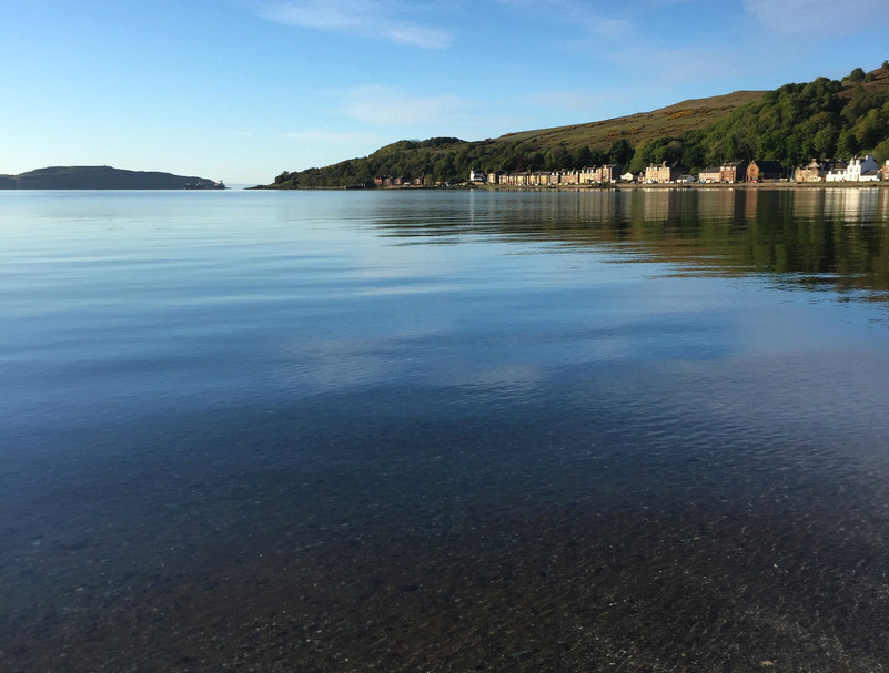Crystal clear waters of Kilchattan Bay.