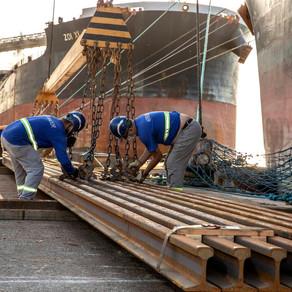 Portos paranaenses movimentam 6 milhões de toneladas e têm melhor mês da história