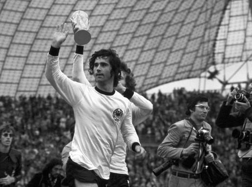 Aos 75 anos, morre Gerd Müller, um dos maiores artilheiros do futebol alemão