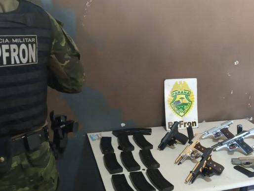 BPFron apreende oito pistolas e 22 carregadores em ônibus