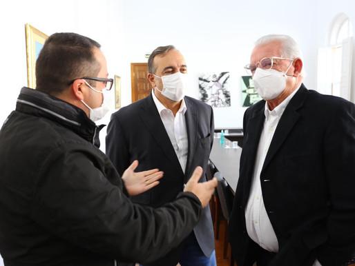 CEI denuncia vacinação de morto e fura-fila na Lapa