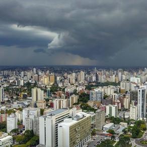Em 4 dias, Curitiba atinge quase metade do volume de chuva previsto para outubro