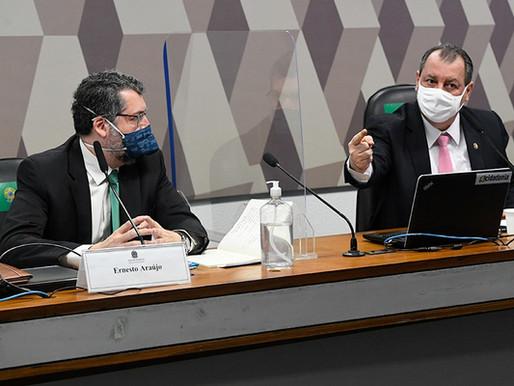 CPI: Araújo nega atritos com China e atribui falta de vacinas à Saúde