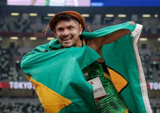 Os brasileiros que já subiram ao pódio paralímpico em Tóquio