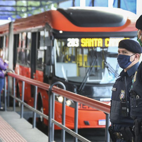 Transporte público volta a circular com 100% de lotação em Curitiba