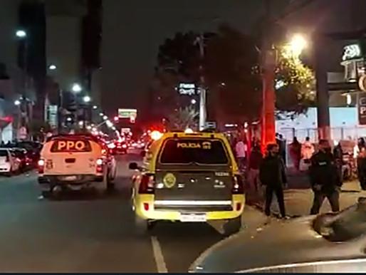 Fiscalização dispersa 1,5 mil pessoas e fecha seis estabelecimentos em Curitiba