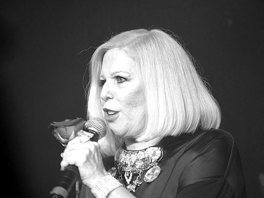 Cantora Vanusa morre em Santos, aos 73 anos