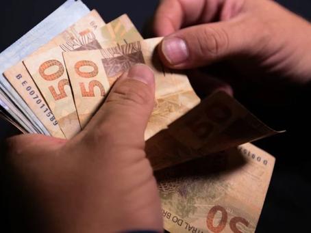 Governo antecipa 13º salário para aposentados e pensionistas do INSS; confira as datas