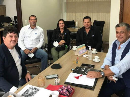 Comitiva de Farol visita gabinete do deputado Galo