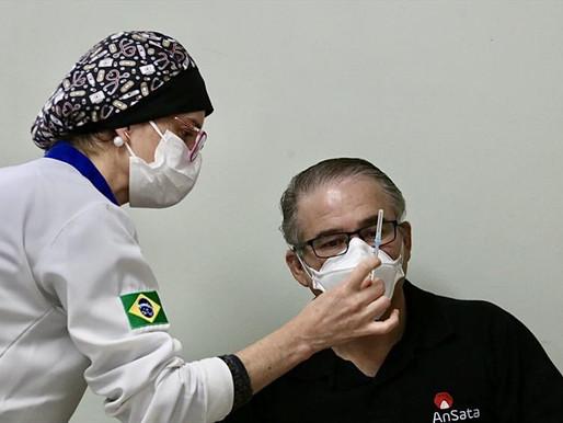 Professores: Vacinação é ampliada para 47 anos ou mais