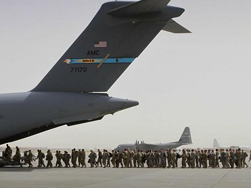 Último avião militar dos EUA deixa Cabul após duas décadas de guerra