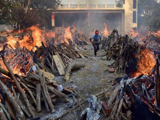 Mortes por Covid-19 batem recorde na Índia; estados impõem lockdowns