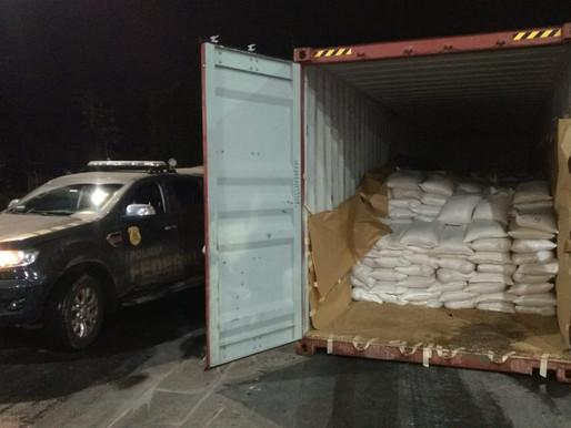 PF apreende mais de 300 quilos de cocaína em exportadora de Paranaguá