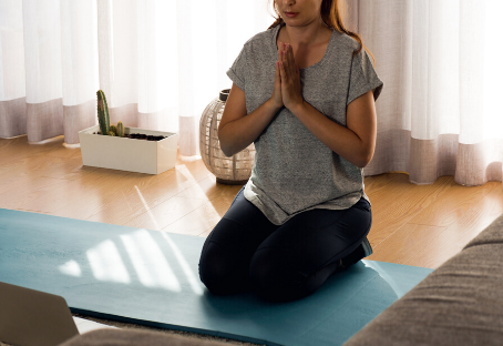 From YouTube to Live – Why Now Is The Perfect Time To Switch Up Your Yoga