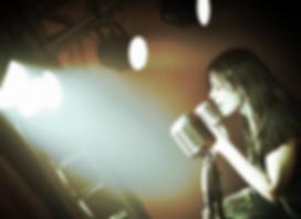 cantora no palco - zp banda