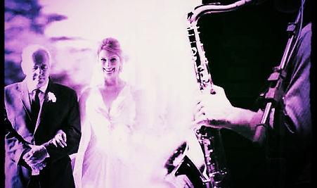 saxofone e noivos