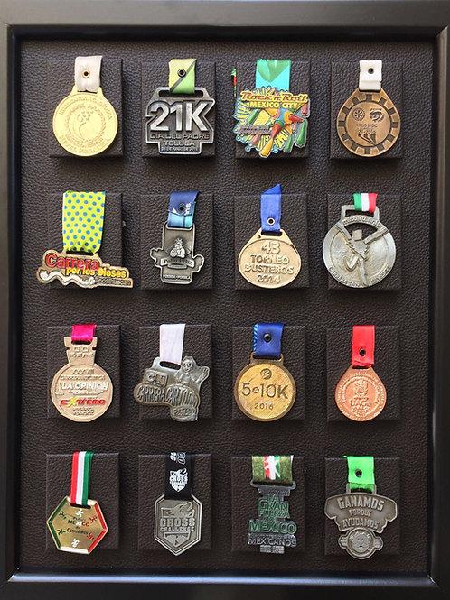 Medallero de 16 posiciones color chocolate