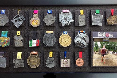 Medallero de 24 posiciones color chocolate