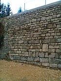 Mur de soutènement en pierre