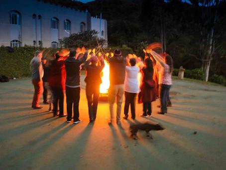 Danças Circulares - Curso Saberes Tradiscionais e Teorias Integrativas em Coaching Transpessoal