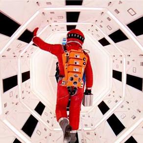 HAL 9000 E A ARTE DE ESQUECER DE SI...